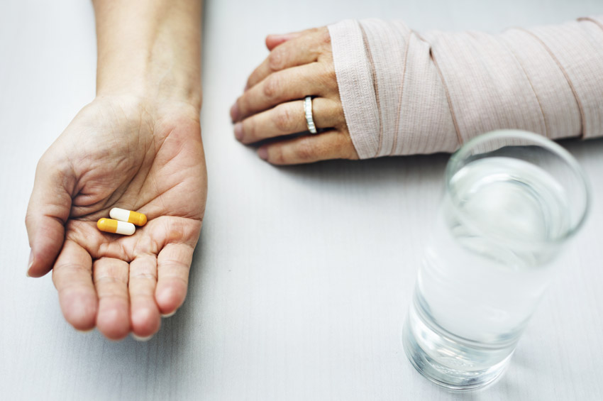 How Painkillers Lead to Addiction, and What You Can Do About It